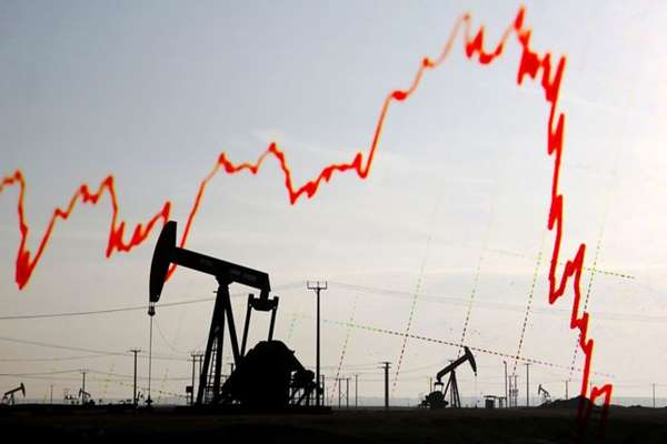 Cena baryłki ropy spada - zarabiaj na tym